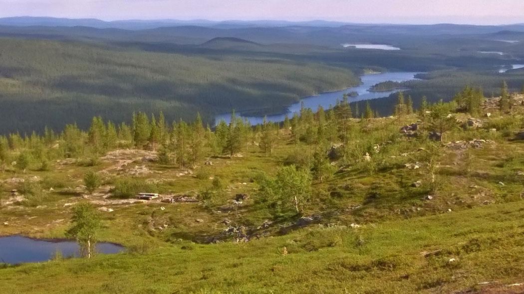 Fjällen omring Lemmenjoki. Bild  Tuija Kangasniemi Metsähallitus 4c4d0b447d